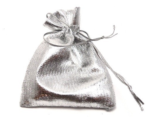 Silvercoloured jewelry bag (small)